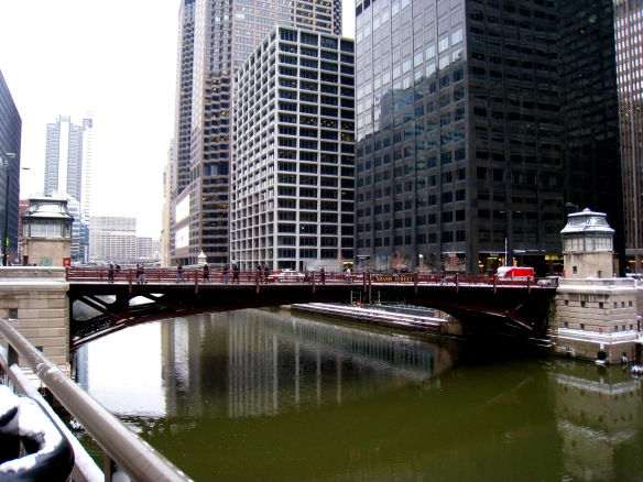 The view from Riverside Plaza looking N to the Adams Street Bridge shows just how little riverbank there is on the South Branch in this part of downtown Chicago.  (Photo copyright 2014 by M.R. Traska; all rights reserved)