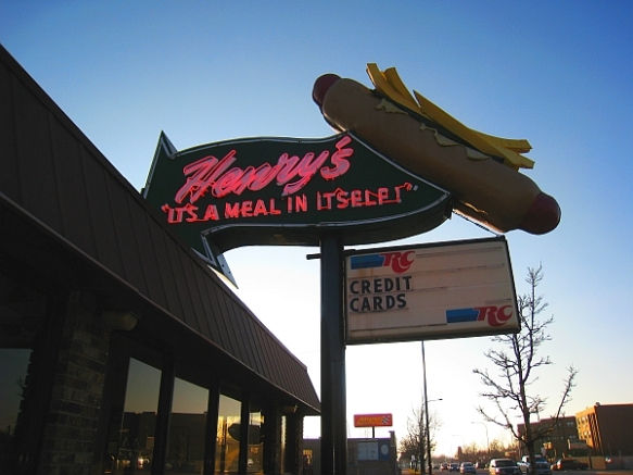 The sun never sets on a great Chicago-style hot dog.  (photo ©2014 by M.R. Traska; all rights reserved)