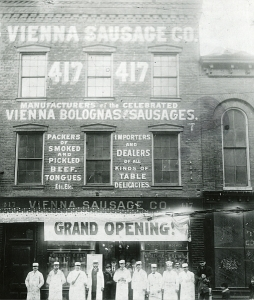 Opening day for the Vienna Sausage Company on Halsted Street near Van Buren Street  (photo courtesy of and copyright by the Vienna Beef website)