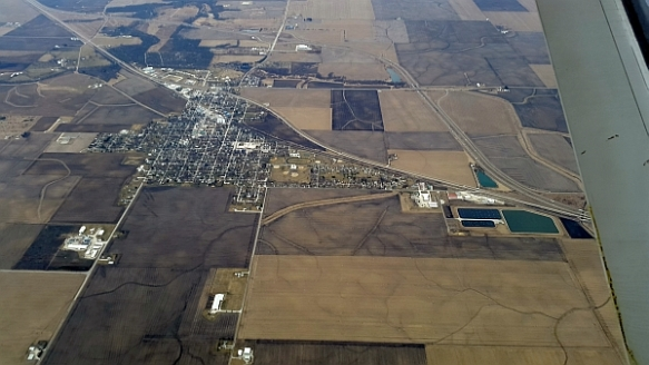 14 - aerial view of Lexington, IL (KYearman)