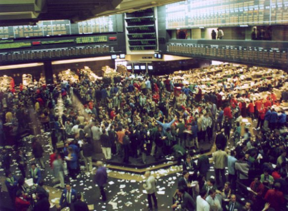 Trading floor at the Chicago Board of Trade in 1993  (photo courtesy of Jeremy Kemp via Wikimedia Commons)