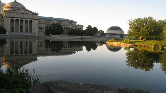 Museum of Science and Industry from the lagoon side  (Photo courtesy of Urbanrules via Wikimedia Commons)