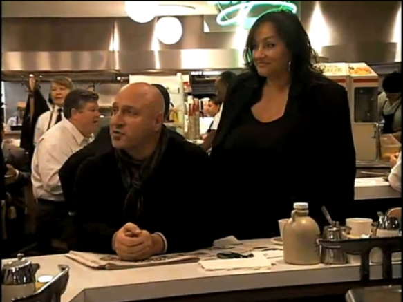 Heleen Thanas (R) & Tom Colicchio, Top Chef s04e11 breakfast challenge